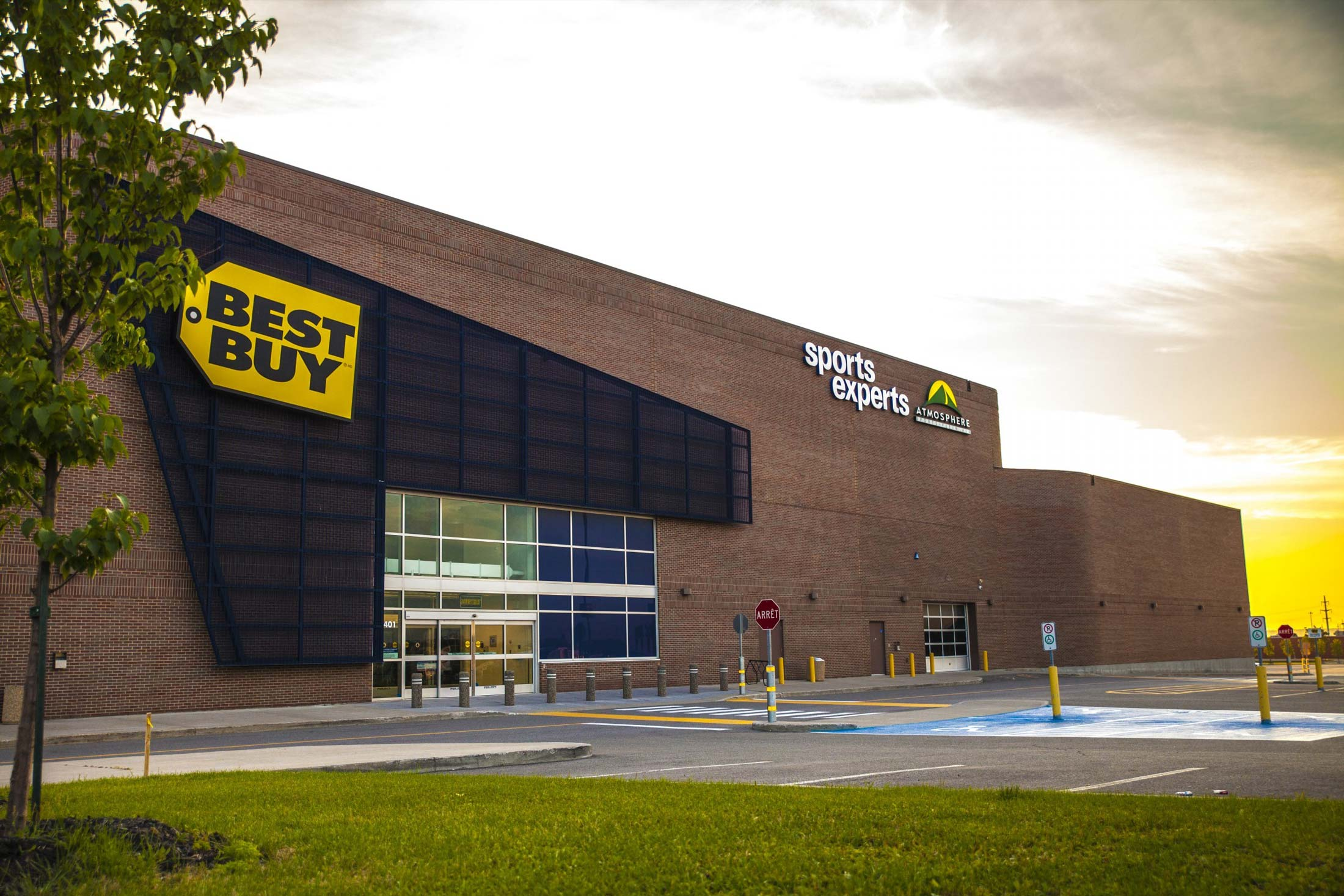 magasin Best Buy - Sports Experts
